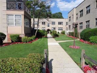 272-300 Cedarhurst Avenue