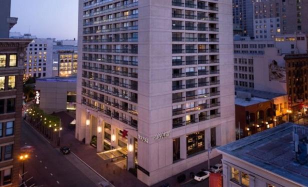 Host Hotels Buys 3 Hyatt Hotels for $1B