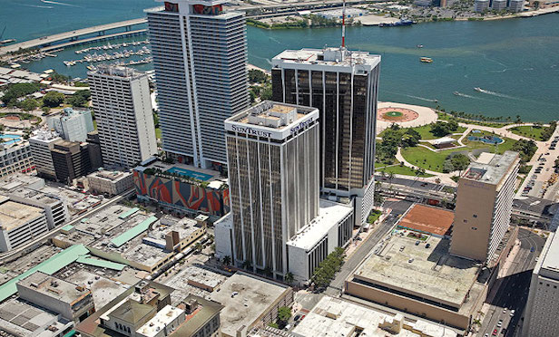 The Sun Trust International Center building features 439,848 rentable square feet from which 406,346 square feet is office space.