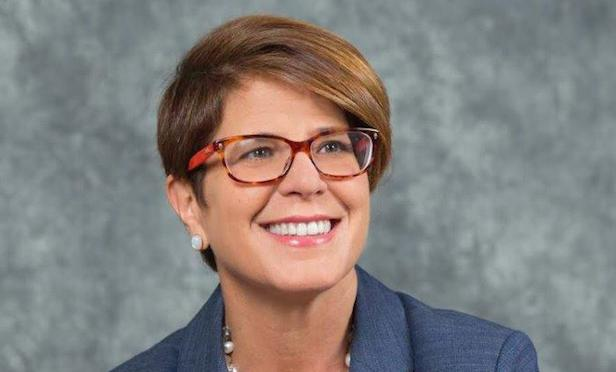 Sara Hernandez is president of Commercial Real Estate Women (CREW) Miami and SVP of Biscayne Bank in Miami.