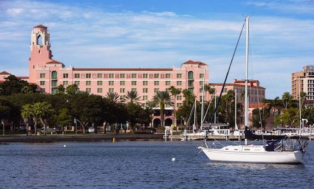 Vinoy Renaissance St. Petersburg Resort & Golf Club
