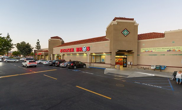 Sierra Vista Plaza shopping center, Murrieta, CA