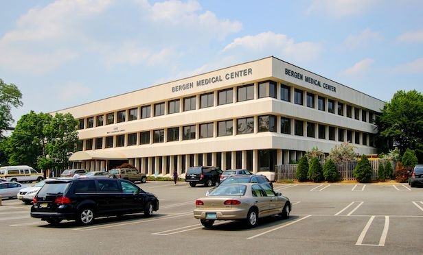 Bergen Medical Center, Paramus, NJ