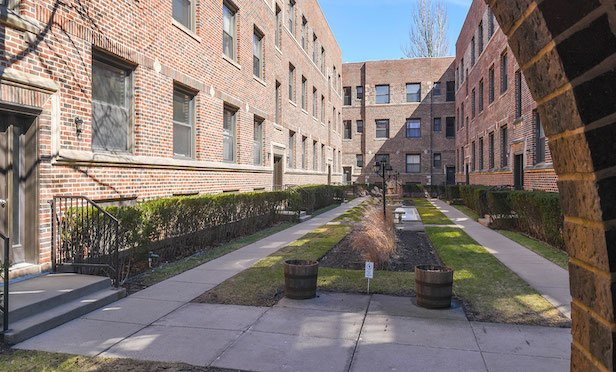 Avanath Capital Management acquired the Scotland Yards Apartments in Chicago for $28.3 million.