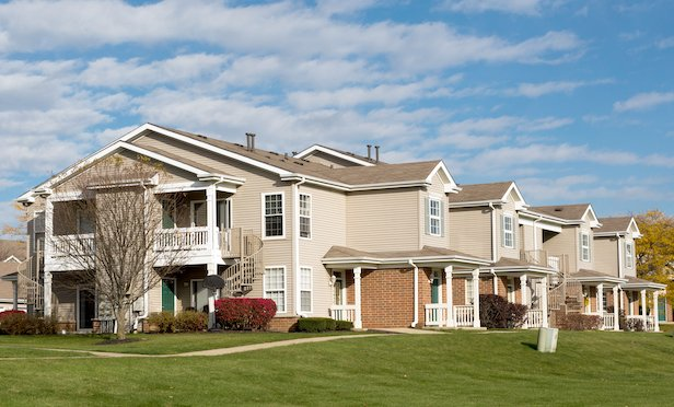 Skyridge Apartments features 364 units and is located in Crystal Lake, IL.