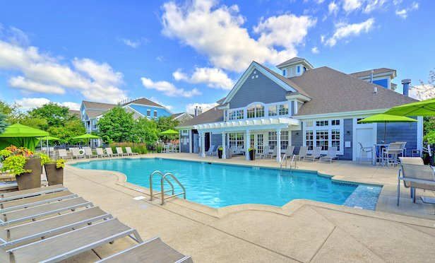 Aurora at Summerfield is a 368-unit multifamily property in Aurora, IL.