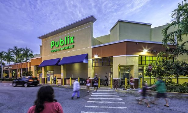 Jacaranda Plaza, a 173,044-square-foot, Publix-anchored retail center in Plantation, FL.
