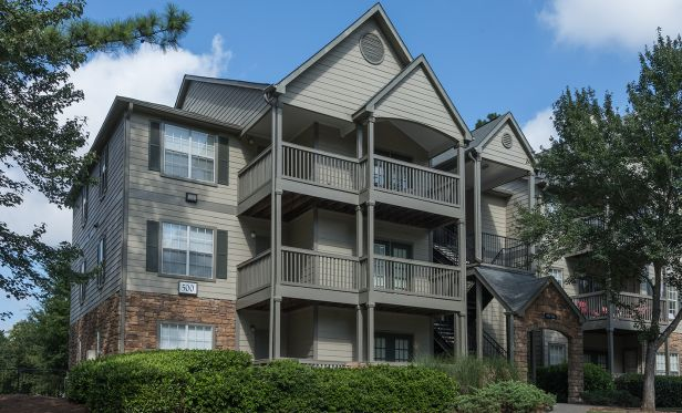 The Reserve at Gwinnett, a 370-unit apartment property located in Norcross, GA, has traded hands.