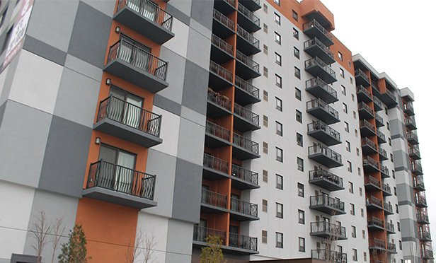 Investors Bank Commercial Real Estate Lending Grouprecently provided $32.3 million in financing that was used to acquire the 235,600-square-foot luxury multifamily property in Fairview, New Jersey. The building houses 146 residential units.